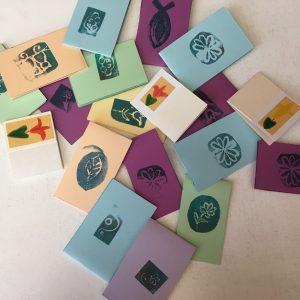 Ajándék kísérő vagy ültető kártyák